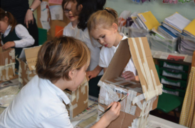 Crafts class at Sandfield Primary School