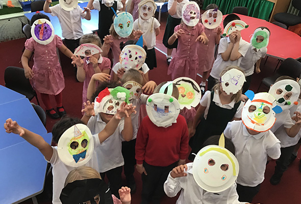 Paper plate masks at Sandfield